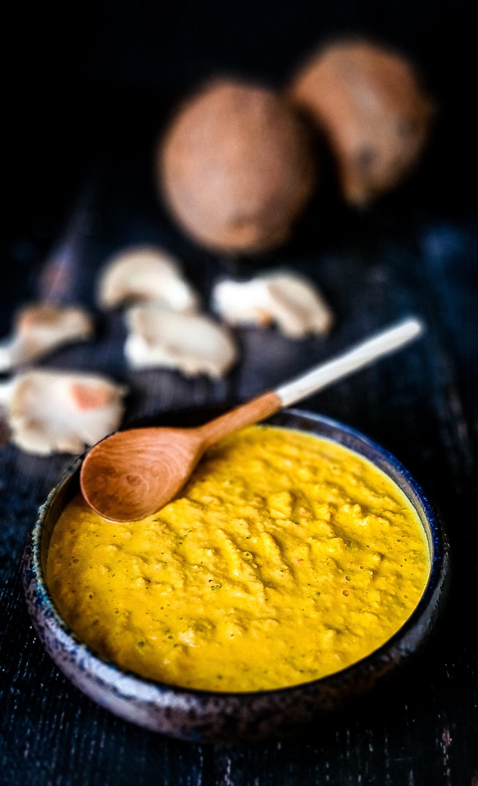 Żółta pasta