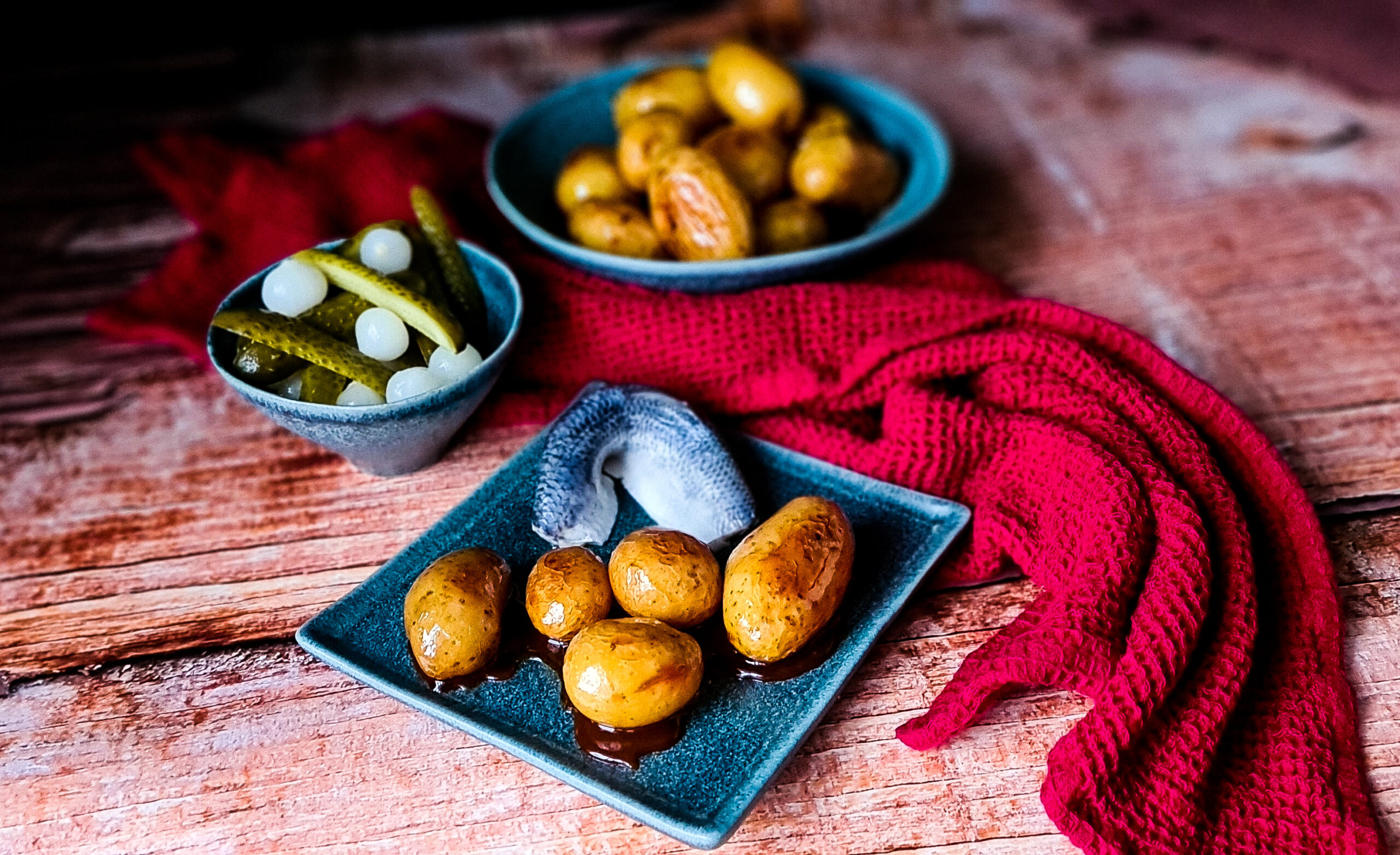 karmelizowane ziemniaki ze sledziem