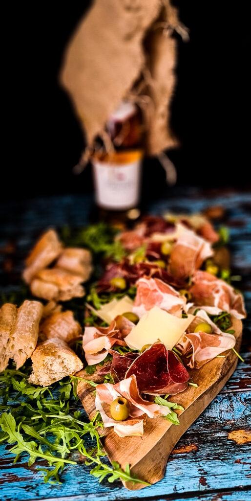 Deska z szynką i serem