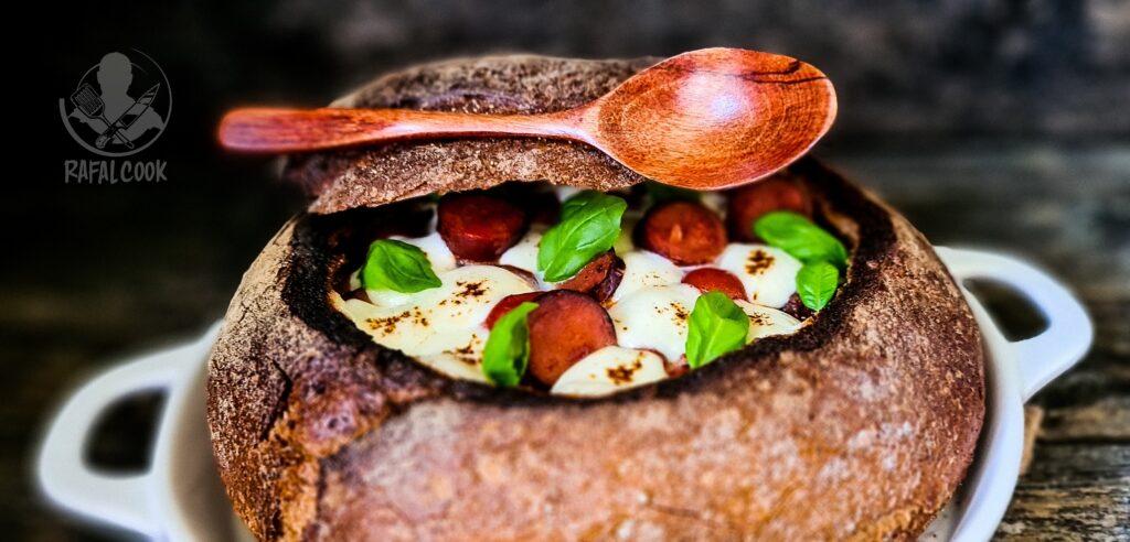 Zupa w chlebie
