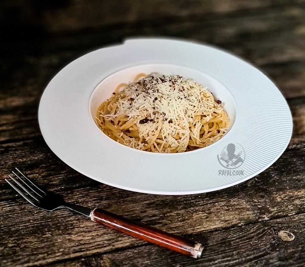 Spaghetti cacio e pepe z Rzymu