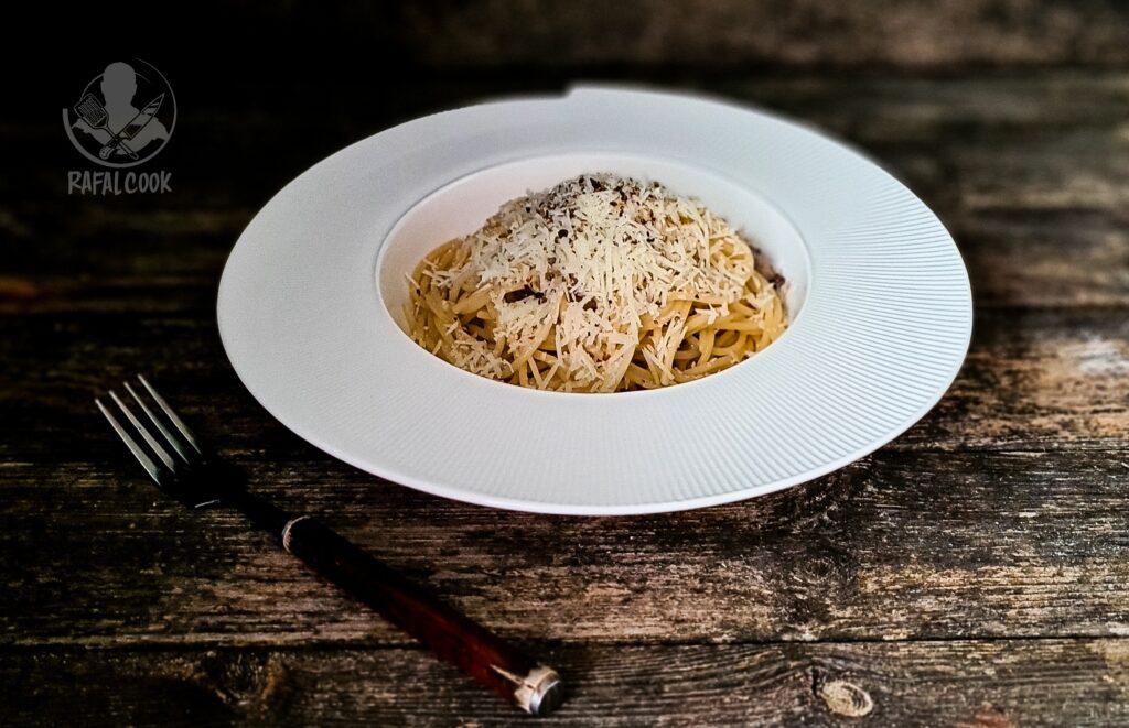 Najlepszy przepis na Spaghetti cacio e pepe